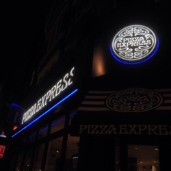 Pizzaexpresssohosign